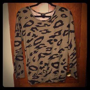 Long sleeve olive/black sweater